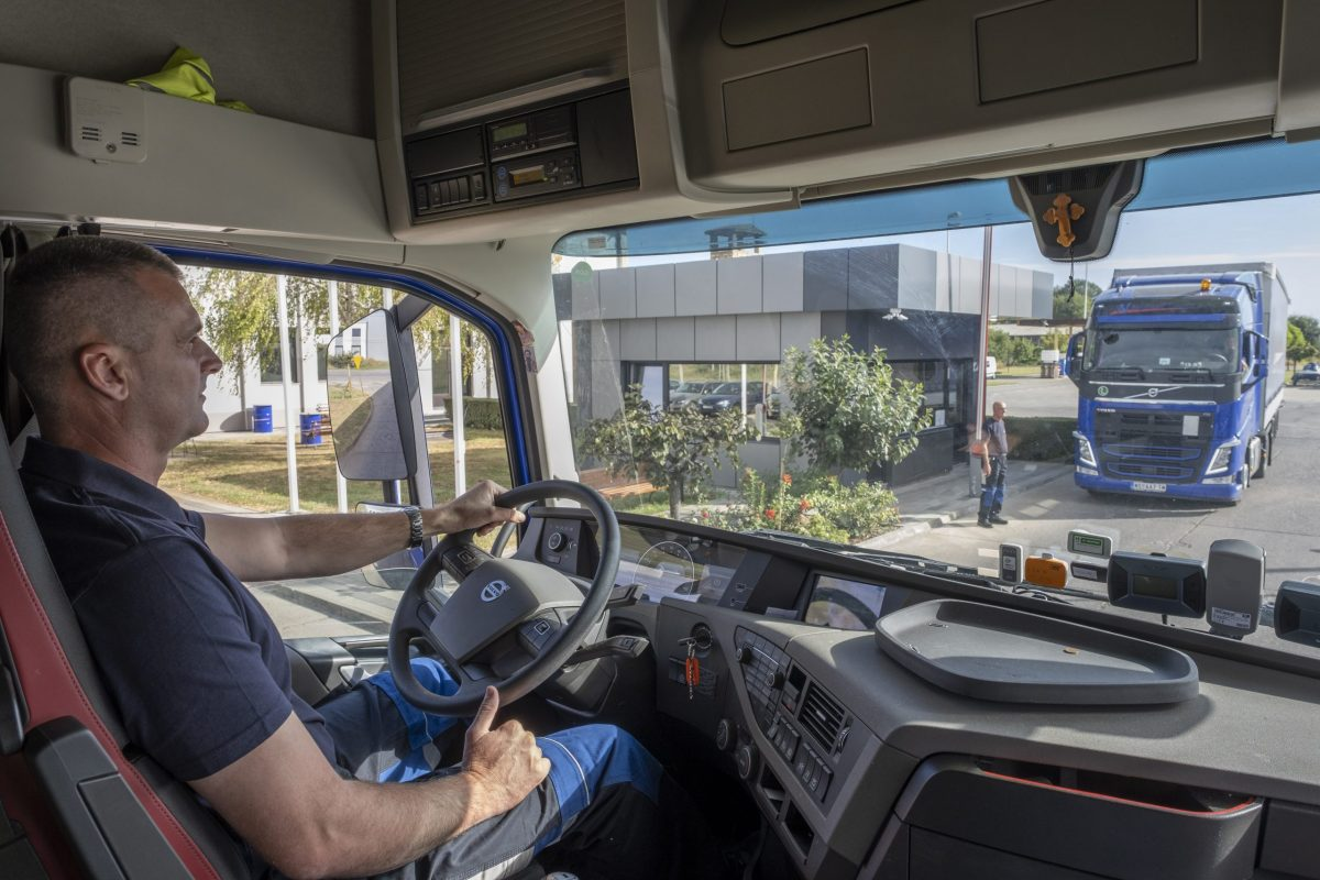 Kabina kamiona, Bugarinovic transport