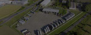 Slika iz vazduha parking Bugarinovic Transport, Truck Stop, dron fotografija